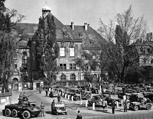 Der Nürnberger Justizpalast während der Urteilsverkündung, 1. Oktober 1946