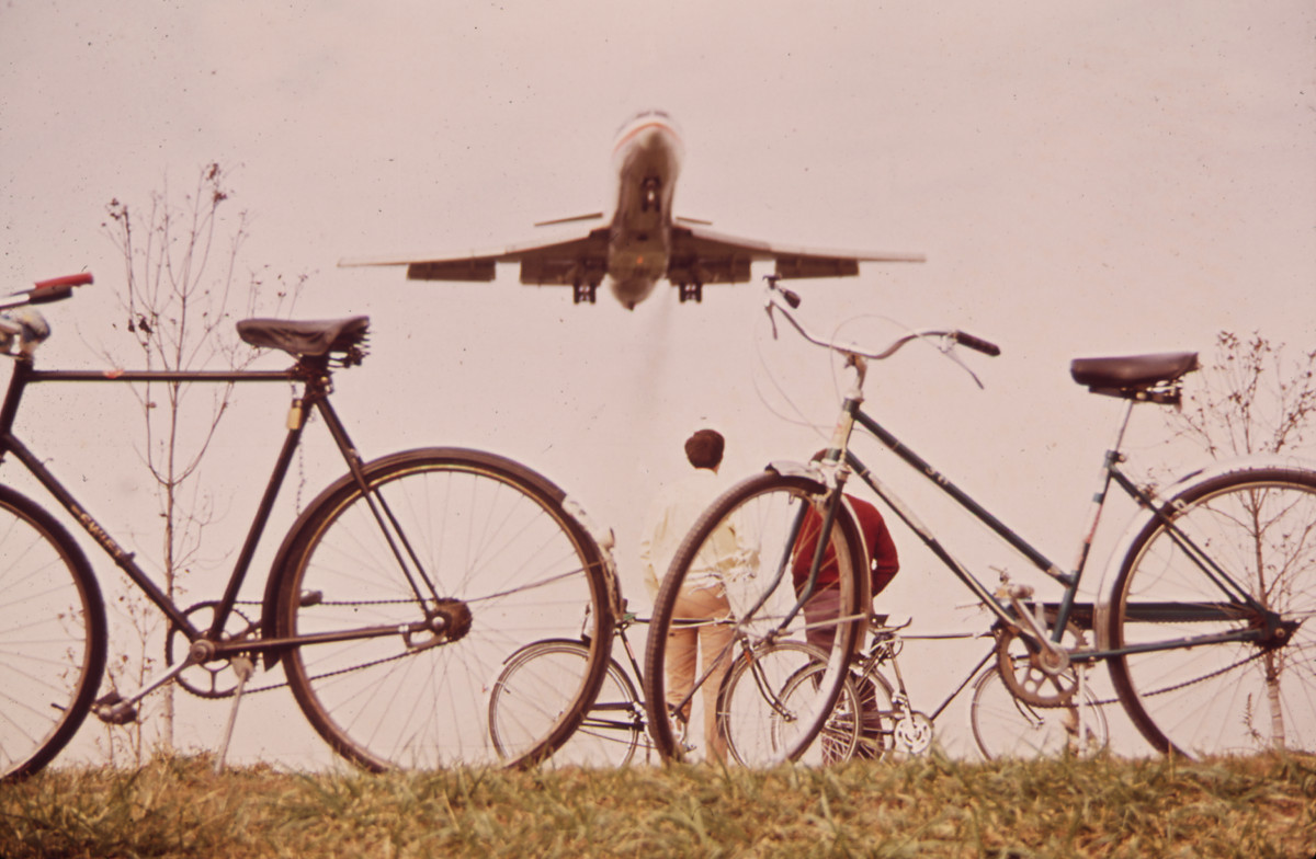 Teaser ZF 3-2017: Fahrradweg am Washington National Airport, 1972