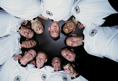 Gruppenbild der deutschen Fußballmannschaft (Szenenfoto)