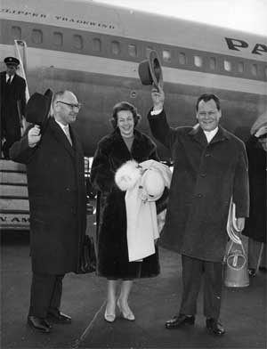 Ankunft Willy Brandts in New York (mit Ehefrau Rut und Günter Klein, Februar 1959)