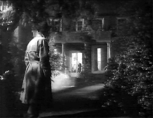 Still from film: Returning from the dead: Simon continously approaches his father´s new home.